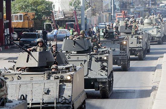 Exército libanês avança na ocupação dos bairros Bab Tabbaneh, sunita, e Jabal Mohsen, alauita, em Trípoli