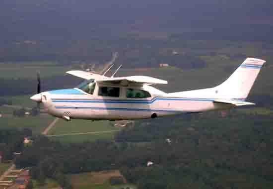 Un Cessna identico a quello precipitato in Ecuador
