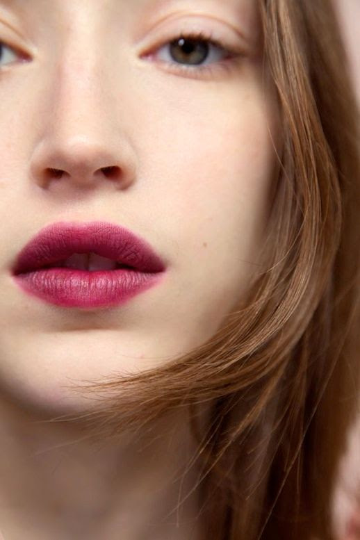 Le fashion blog generation g glossier fresh face berry lips light complexion simple makeup look