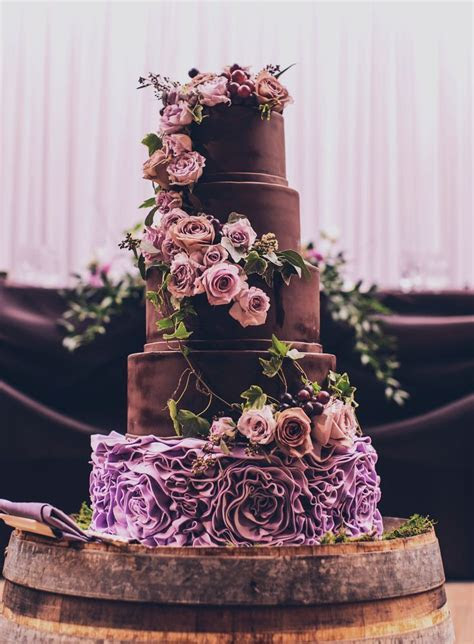 25  best ideas about Chocolate Wedding Cakes on Pinterest