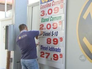 Postos de combustíveis começam a reajustar preços em Campo Grande (Foto: Reprodução/ TV Morena)