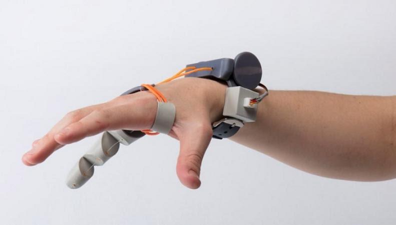 второй большой палец руки управляемый ногой