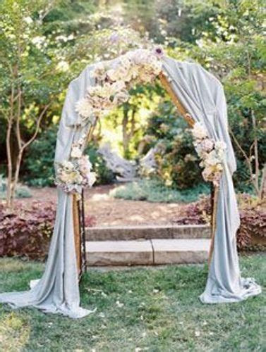 How To Decorate A Garden Arch For A Wedding: 5 Ideas For