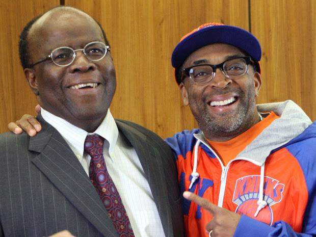 O ministro do Supremo Tribunal Federal Joaquim Barbosa e o cineasta americano Spike Lee (Foto: Andre Dusek/Agência Estado)