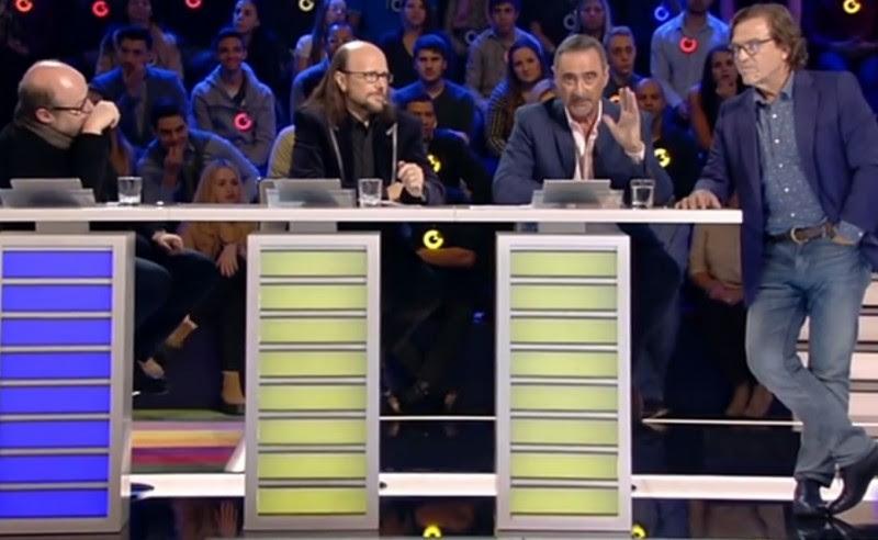 <p>Salvador Sostres, Santiago Segura, Carlos Herrera y Pepe Navarro, durante el programa ¿Cómo lo ves?, dedicado al acoso sexual.</p>