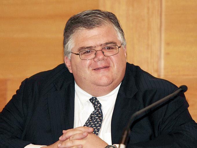 Agustín Carstens, gobernador del Banco de México, prevé más riesgos para el crecimiento. Foto: Archivo