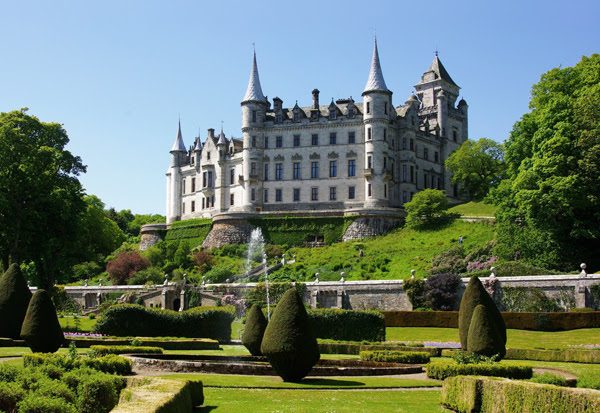 10 Old and Beautiful Castles Around the World