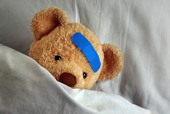 Ein kranker Bär als stellvertretendes Symbol für die Kranken der Welt.