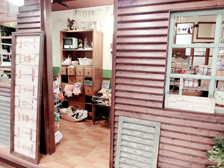 shopping at taipei