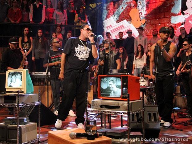 Rapper fala sobre o massacre do Carandiru (Foto: TV Globo/Altas Horas)