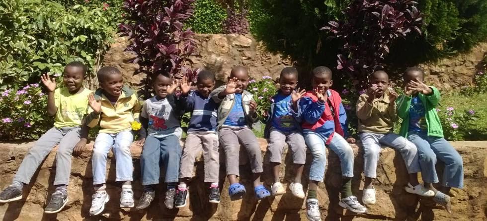 Un grupo de niños en Casa do Gaiato.