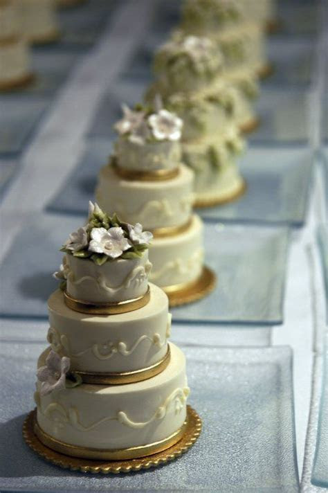 25  best ideas about Mini wedding cakes on Pinterest