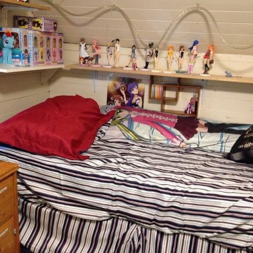 Day 67: My new bed's too tall but no matter… #newbed #93daysofsummer #summer2014
