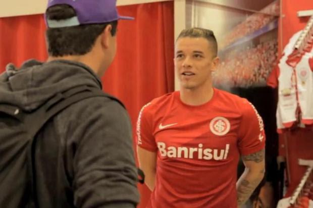 D'Alessandro, Forlán e Muriel surpreendem torcedores em comercial da loja do Inter Reprodução/YouTube,TV Inter
