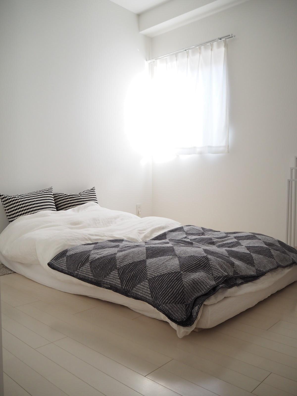 シンプル&ミニマムな寝室で最適な睡眠環境 : *LittleHome* Powered by ...
