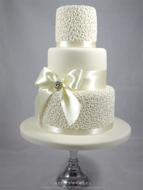 32 best images about Cornelli lace cake cutie on Pinterest