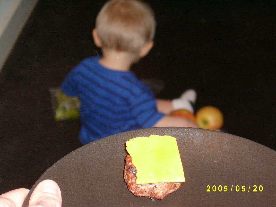G's cheeseburger