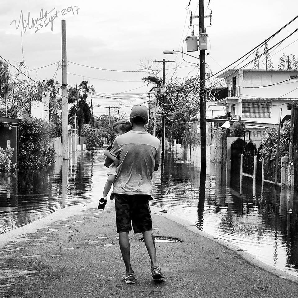 La condición colonial se enfatiza como un boomerang de desalientos e imposibilidades, cuando la gente desesperada clama auxilio.