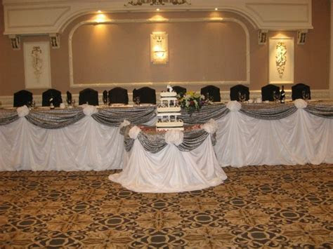 25  best ideas about Head Table Decor on Pinterest
