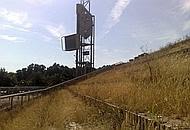La torre della tv di piazzale Tecchio a Fuorigrotta