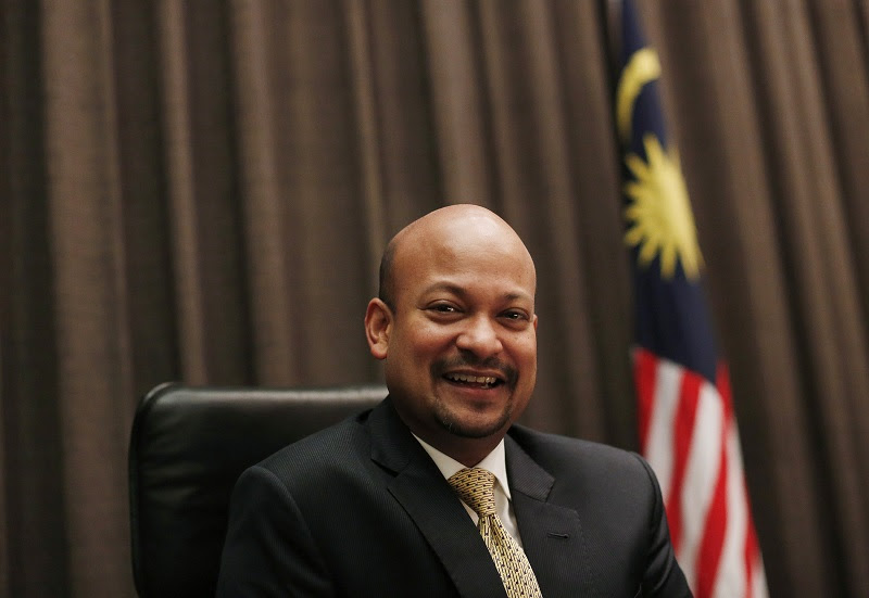 CEO Arul Kanda has been named in investigation documents as having sent false bank statements on behalf of 1MDB.  However, he arrived in January to find all the computers and records had been wiped - so who passed this false material?