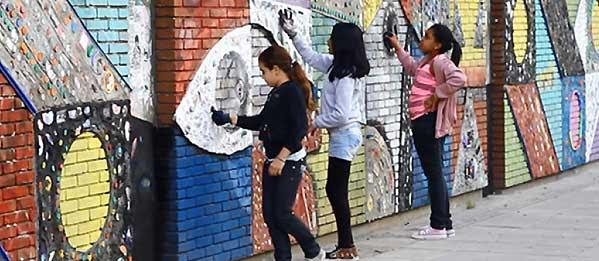 Murales Ambientales En Escuelas Portenas En Vivienda