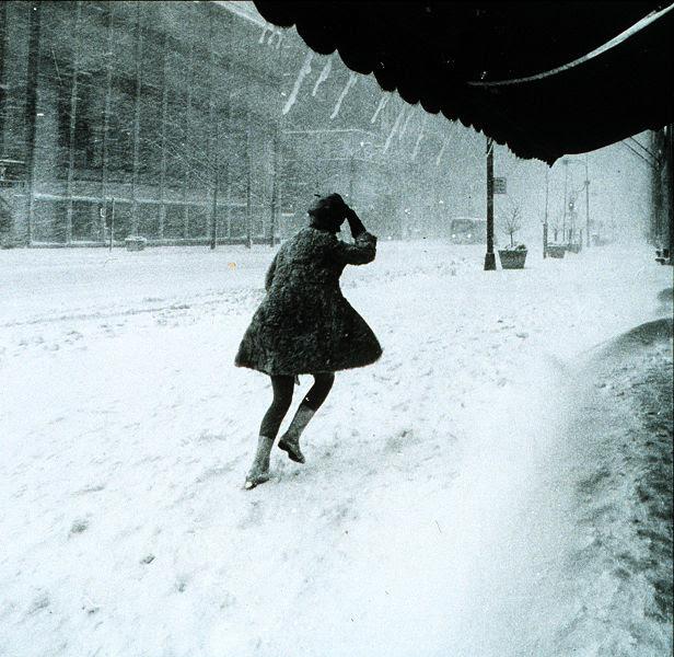 File:Miniskirts in snow storm.jpg