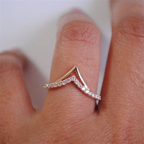 Chevron V Ring. Stackable 14K Gold Diamond V Wedding Band.