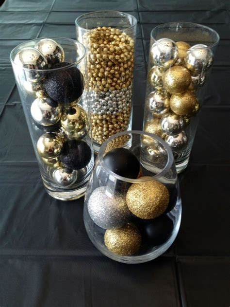 36 Super Elegant Black And Gold Christmas Décor Ideas