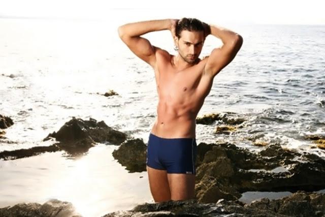http://mensunderwearworld.com/wp-content/uploads/2011/04/jolidon-swimwear-2010-41.jpg