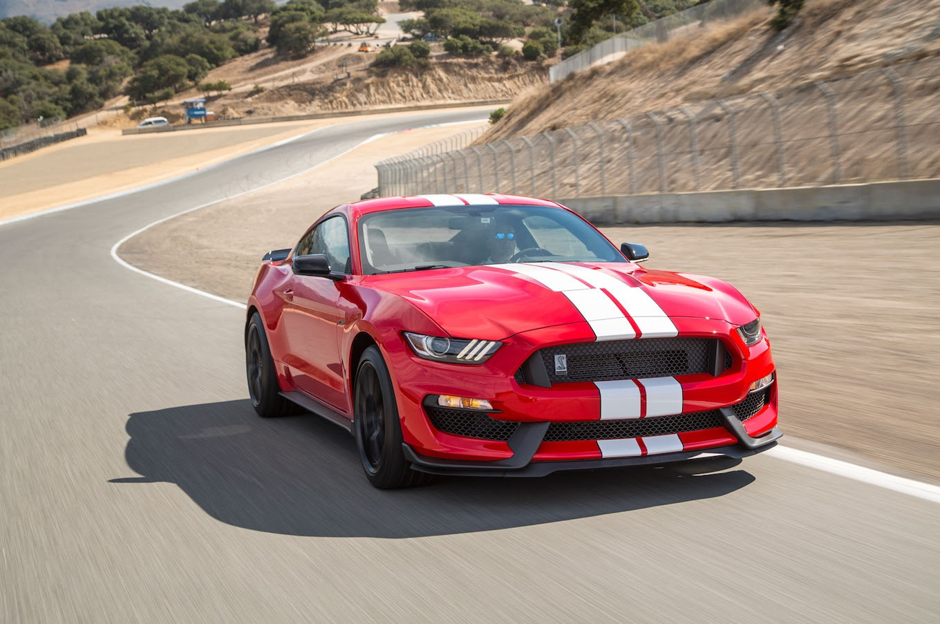 2016 Ford Shelby GT350R Mustang Review - First Drive ...