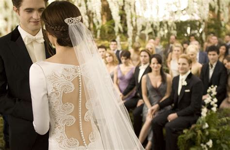 Wedding Dress 2012 predictions!   Breaking Dawn 2