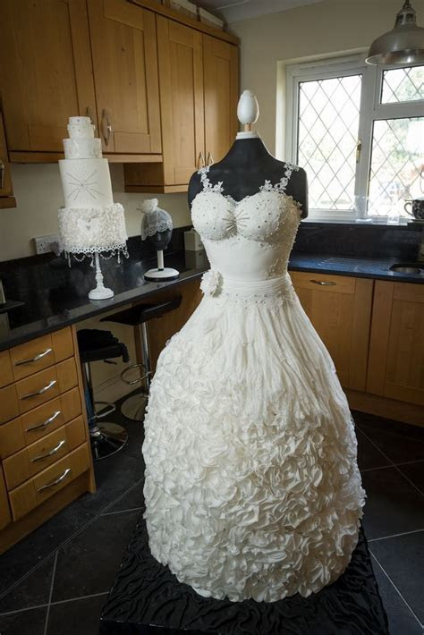 Beautiful Wedding Dress Made Out Of Cake Goes Viral