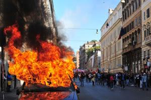 protesto dos indignados na Itália (Foto: AFP)