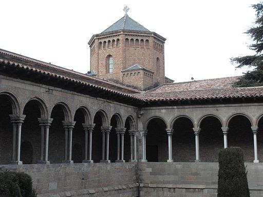 Santa Maria de Ripoll, claustre i cimbori