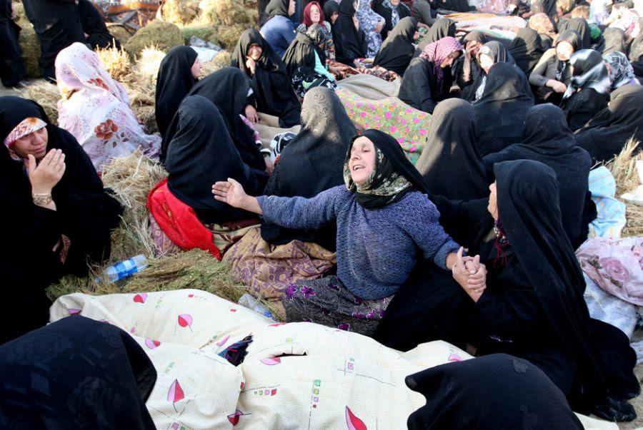 Terremotos registrados no sábado causaram grande destruição e muitas mortes no Irã  / Atta Kenare/ AFP