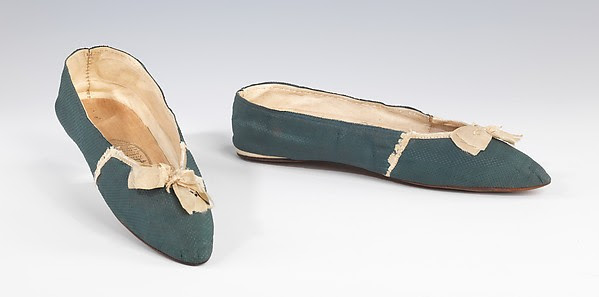 Slippers with contrast bows, c. 1815-1820, at The Met.