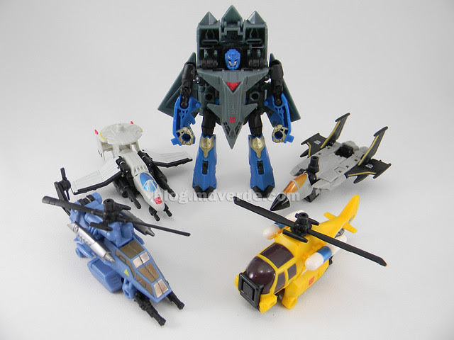 Transformer Skyburst con Aerialbots Power Core Combiners - modo robot
