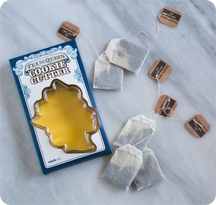 Tea with the Queen: Earl Grey Shortbread Cookies