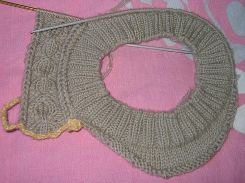 http://craft-craft.net/wp-content/uploads/2012/01/cabled-beret-women-knitting-patterns-craft-craft-42529334140739125421.jpg