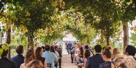 Wedding in tuscan vineyards, this is an experience to