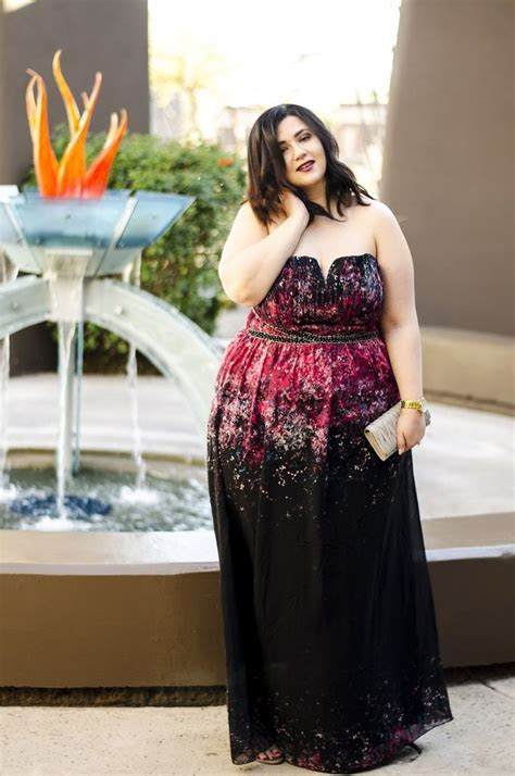 plus size maxi dress dark floral wedding guest what to
