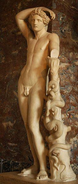 Archivo:Lycian Apollo Louvre left.jpg