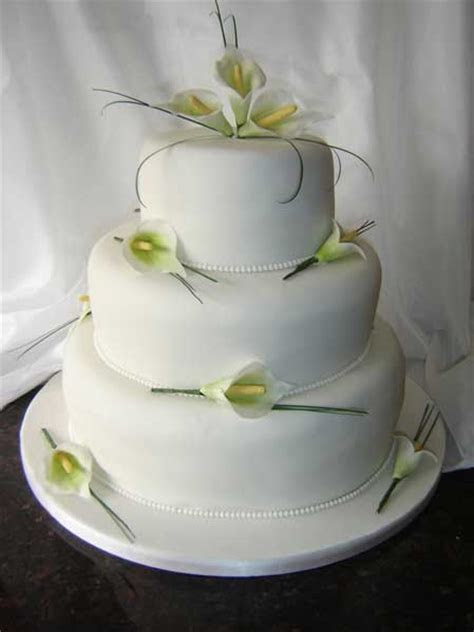 25  best ideas about Calla lily cake on Pinterest   Sugar