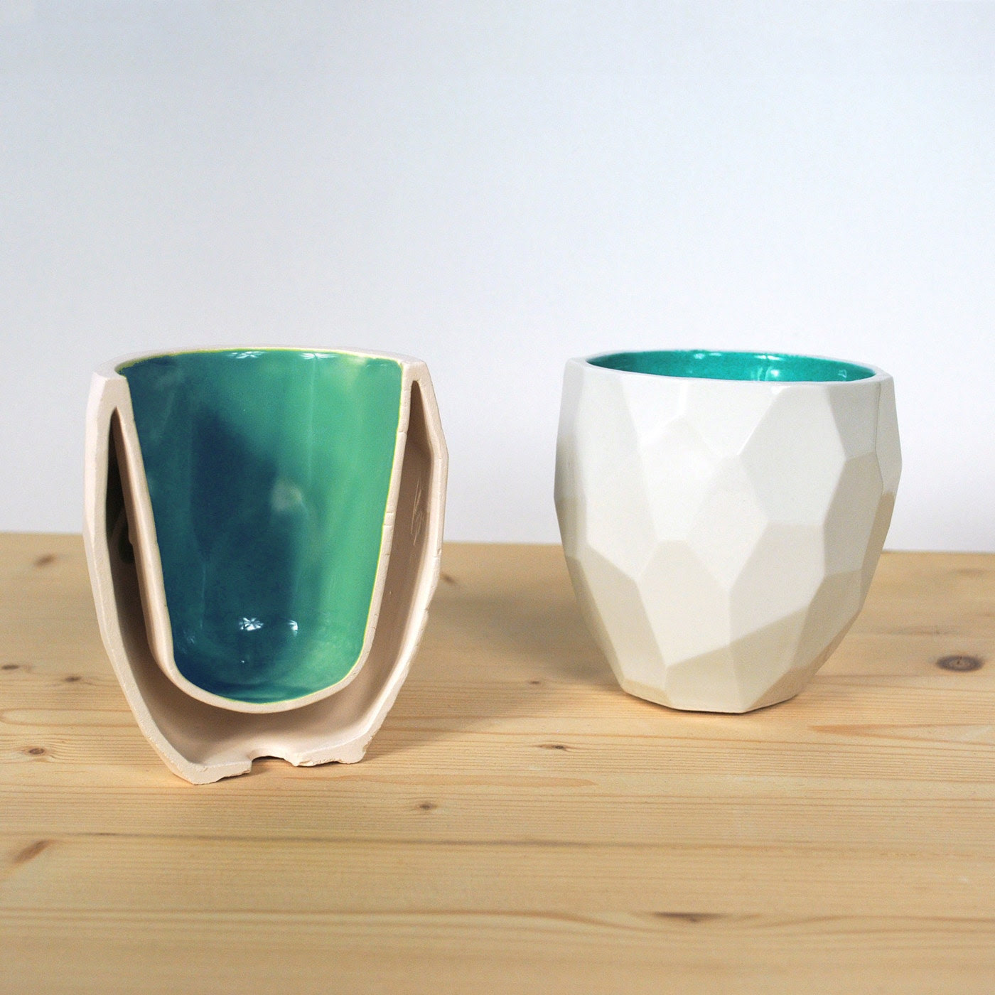 Modern quality facetted porcelain thermo tea cup - dual wall isolating cup hot in polygons - Poligon thermo Cup - Coffe mug - Emerald Green - studioLORIER