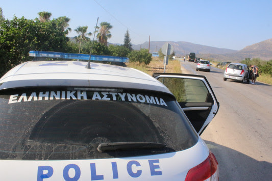 Αίγιο: 15χρονος μαχαίρωσε αστυνομικό για να αποφύγει τον έλεγχο