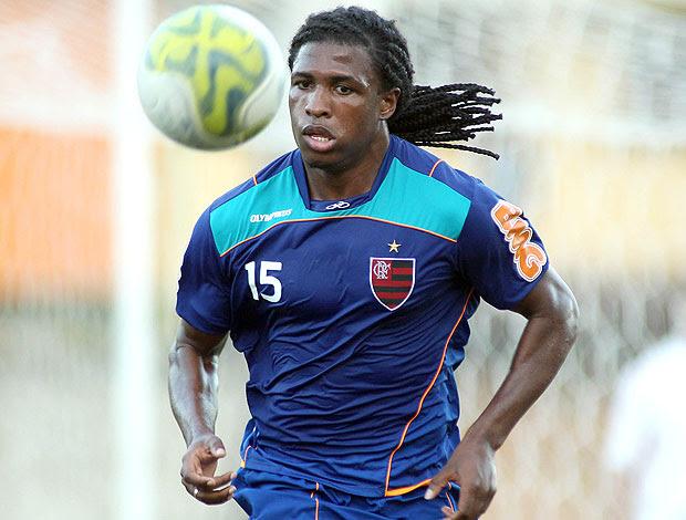 Diego Maurício no treino do Flamengo (Foto: Maurício Val / VIPCOMM)