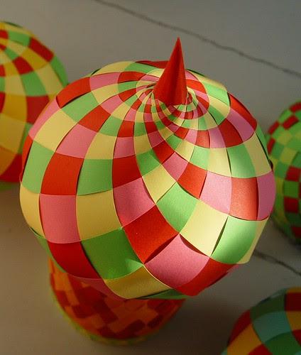 Woven Paper Onion Dome