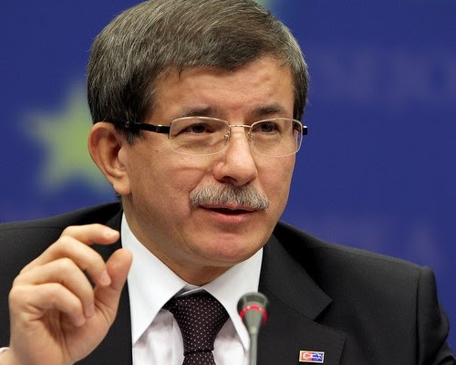 «Αποστρατεία» για Γκιουλ, πρωθυπουργία για Νταβούτογλου;