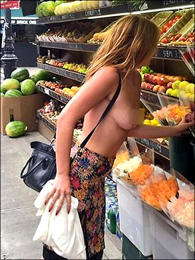 scout willis topless in ny
